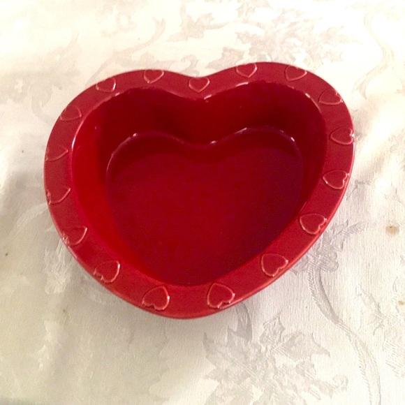Red heart shaped 1qt serving dish